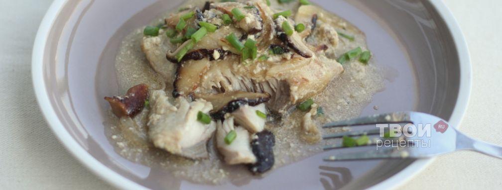 Рыба с луком и грибами - Рецепт