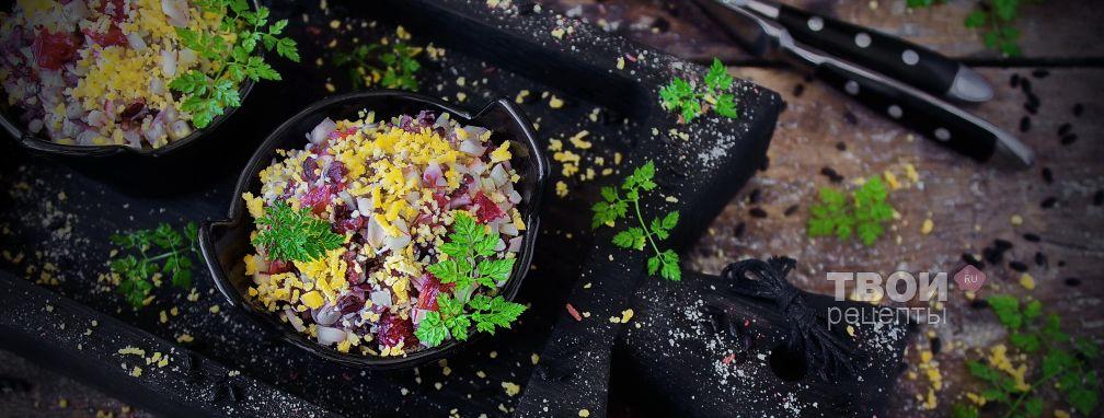Салат с кальмарами и яйцом - Рецепт