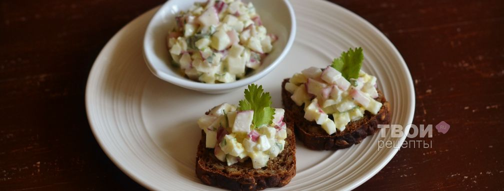 Салат с редисом и яйцом - Рецепт