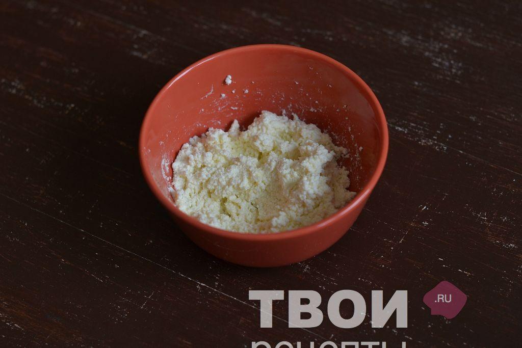 recept-glazirovannye-tvorozhnye-syrki-shag_1.jpg