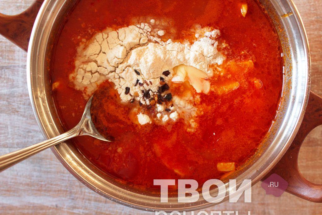 Как варить гуляш из курицы с подливкой рецепт 140