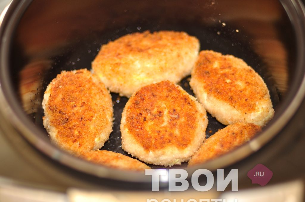 Как сделать котлеты из куриного фарша сочными на сковороде