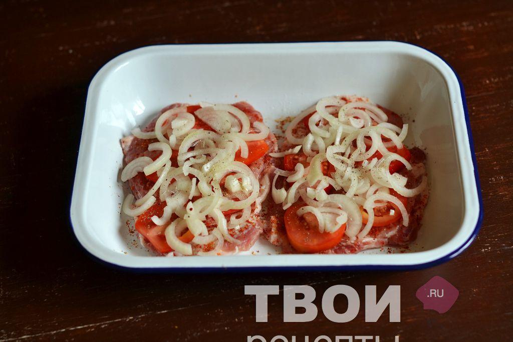 мясо под шубой в духовке рецепт из свинины с картофелем