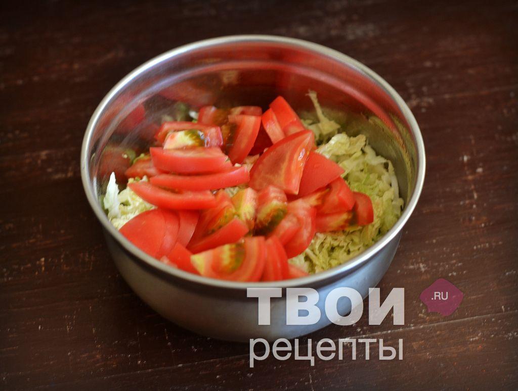 Салат помидоры с капустой