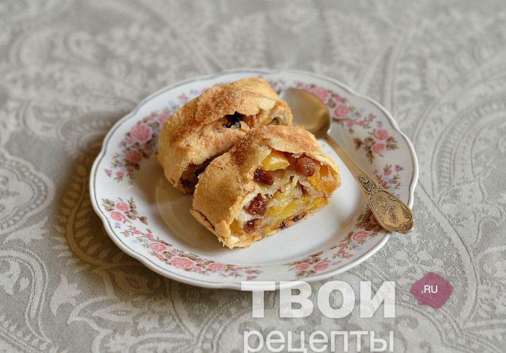 Штрудель с яблоками из слоеного теста в мультиварке пошаговый рецепт с фото