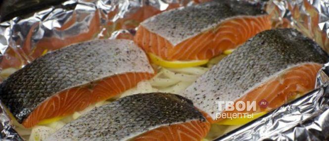 лосось запеченный целиком в духовке рецепт с фото с
