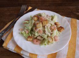 recept-salat-tsezar-s-krevetkami.jpg