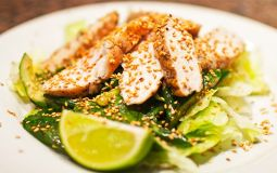 Легкие салаты с курицей
